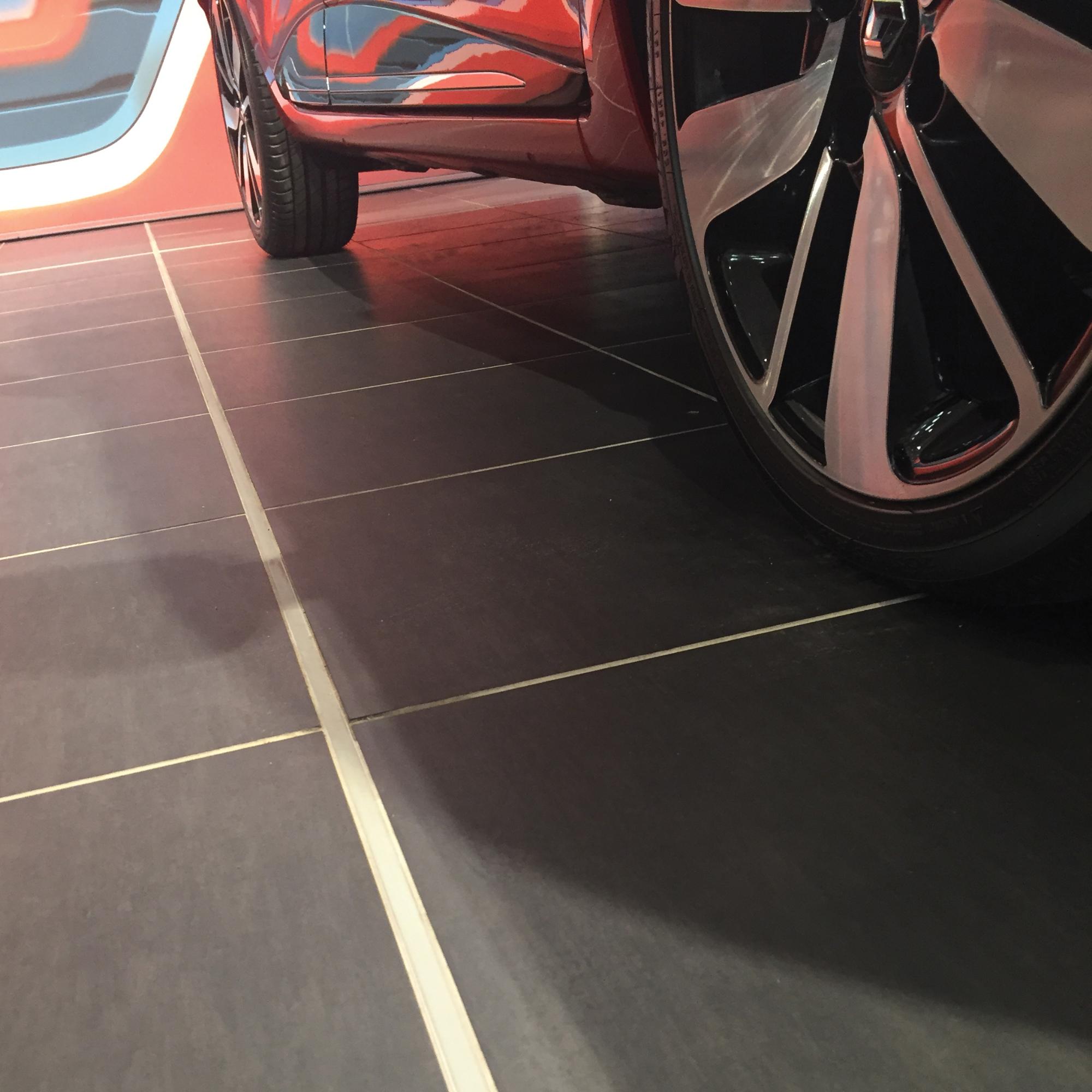 Renault / Dacia Showroom Chelmsford - 0